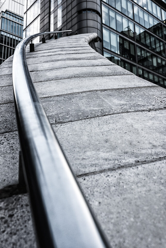 Abstract Bannister